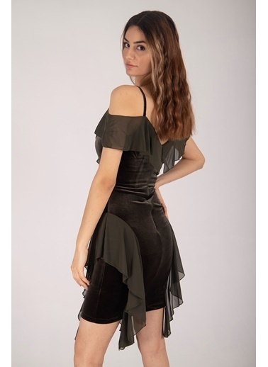 Belamore  Haki Ip Askılı Göğüs Ve Yanları Şifon Fırfır Detaylı Kadife Kumaş Abiye & Mezuniyet Elbisesi 1608204.23 Haki